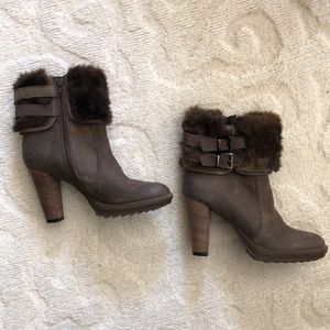 Brown furry Minelli boots